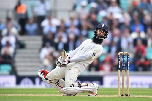England lead by 252 runs on rain-hit third day